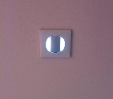 bouton legrand céliane avec bague lumineuse